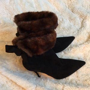 Kate Spade ADORABLE booties w/fur ankle and bows